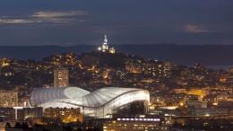 France, Bouches-du-Rhône (13), Marseille, Stade Vélodrome, vue générale de nuit avec Notre Dame de la Garde